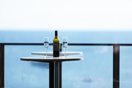 海と空を眺めていられることが極上の贅沢と感じる日々